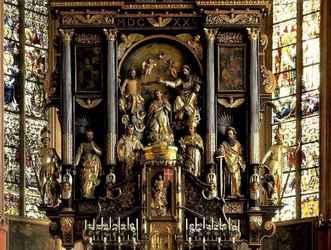 статуи в католическом храме