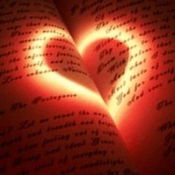 сердечко на книге
